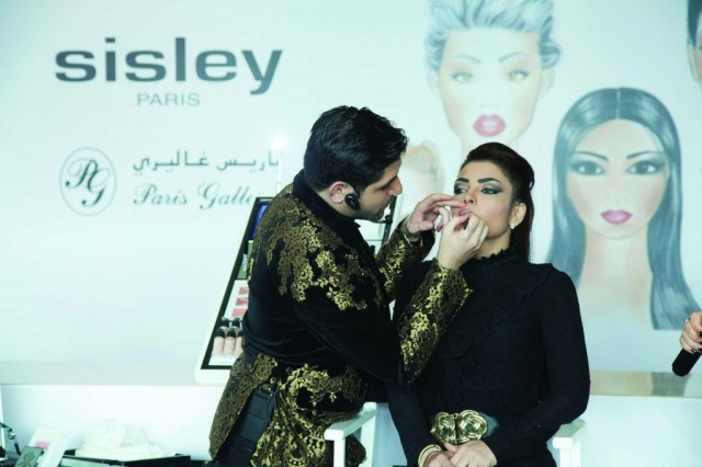 Sisley Phyto-Lip Twist Launch Event with Elias Srour - live demo