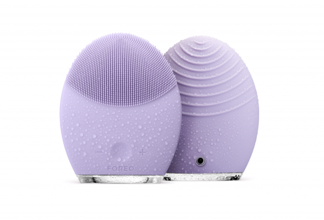 foreo_luna-2-violet_-aed-950